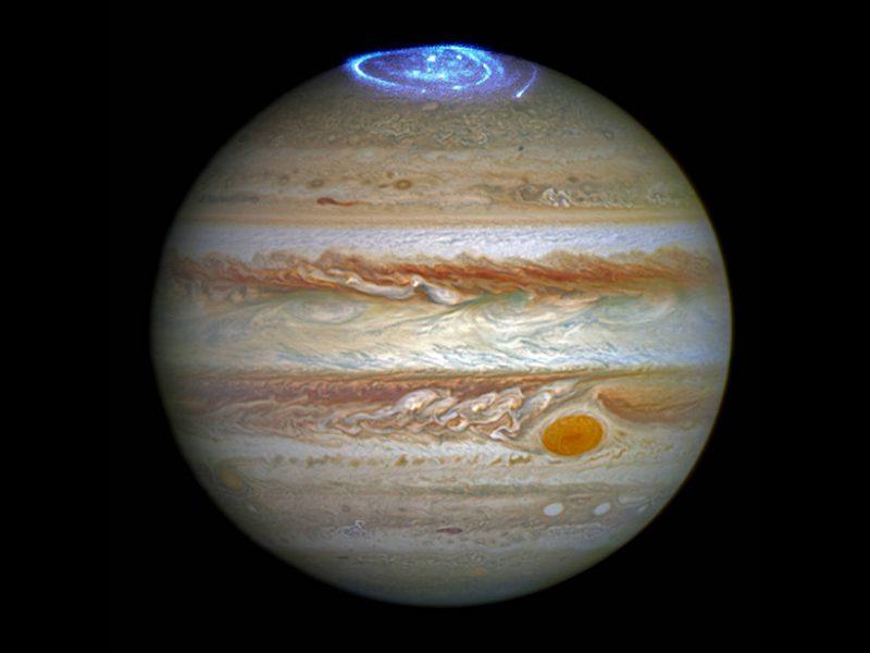 hubble-image-jupiter-aurora-800x600